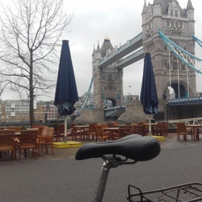 Peatus koos suurepärae Londoni vaatega