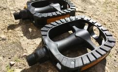 KLS plastic pedals, wide